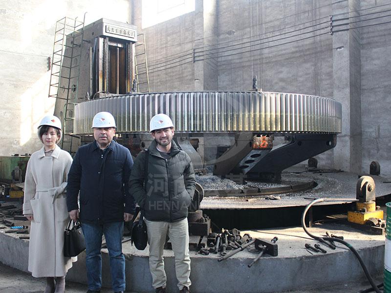 乌兹别克客户参观安阳厂区